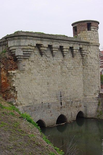 Photo du Monument Historique Tour des Arquets situé à Cambrai