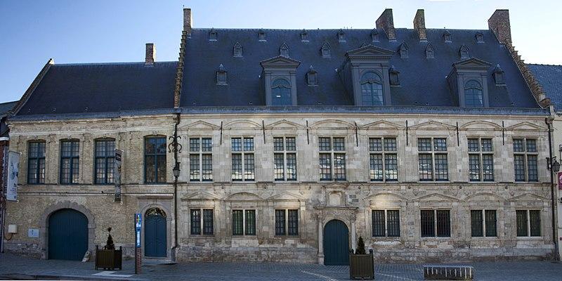 Photo du Monument Historique La Mairie, ancienne Châtellenie de Cassel situé à Cassel