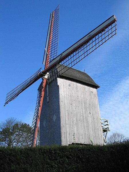 Photo du Monument Historique Moulin de l'Etendard situé à Cassel
