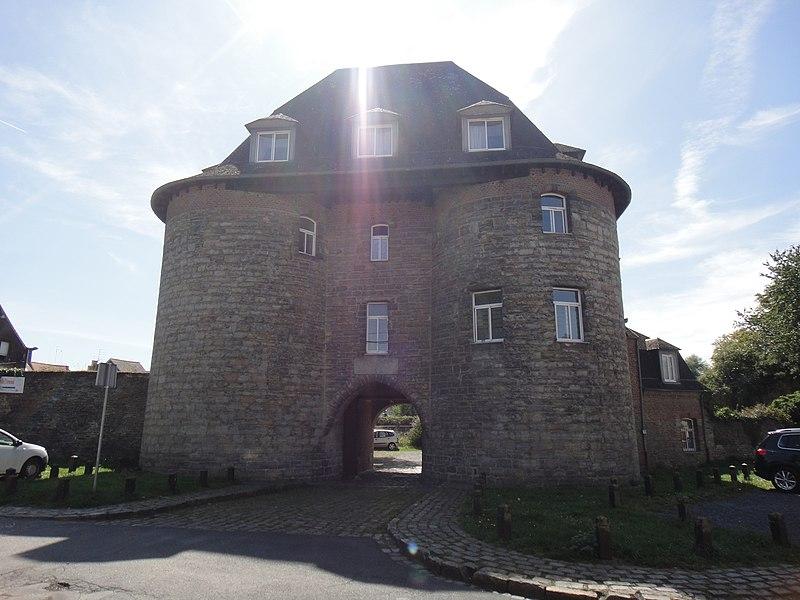 Photo du Monument Historique Ancien château des comtes de Hainaut dit ancien arsenal situé à Condé-sur-l'Escaut