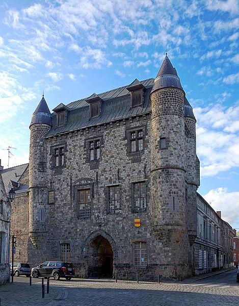 Photo du Monument Historique Château de Bailleul et immeubles accolés situé à Condé-sur-l'Escaut