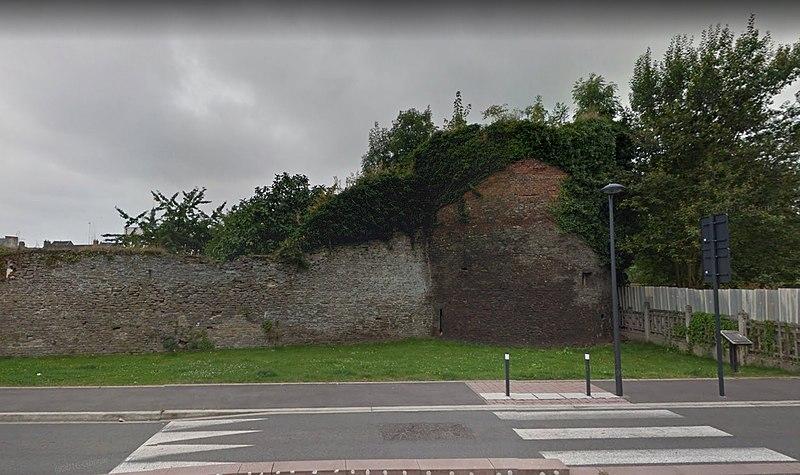 Photo du Monument Historique Ancienne enceinte espagnole situé à Condé-sur-l'Escaut