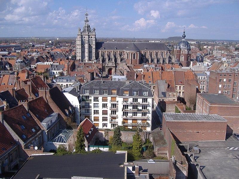 Photo du Monument Historique Ancienne collégiale Saint-Pierre situé à Douai