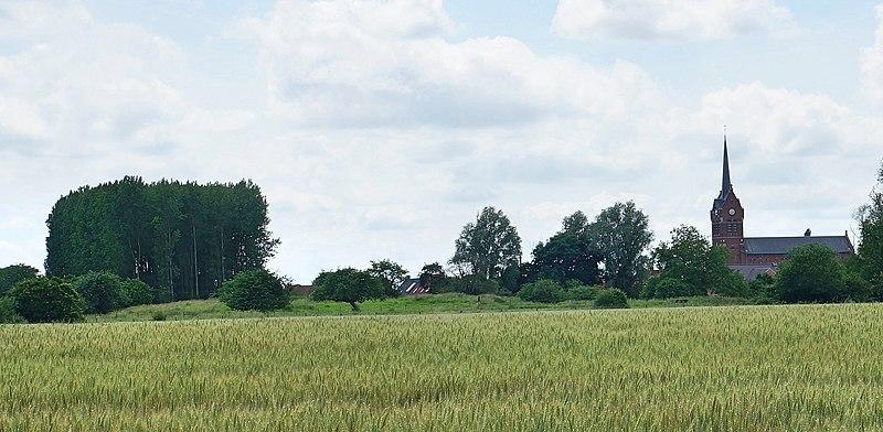 Photo du Monument Historique Motte féodale situé à Doulieu (Le)