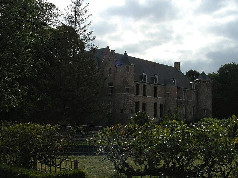 Photo du Monument Historique Château situé à Esquelbecq