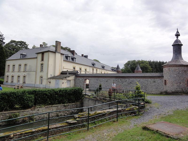 Photo du Monument Historique Château de Pont-de-Sains situé à Féron