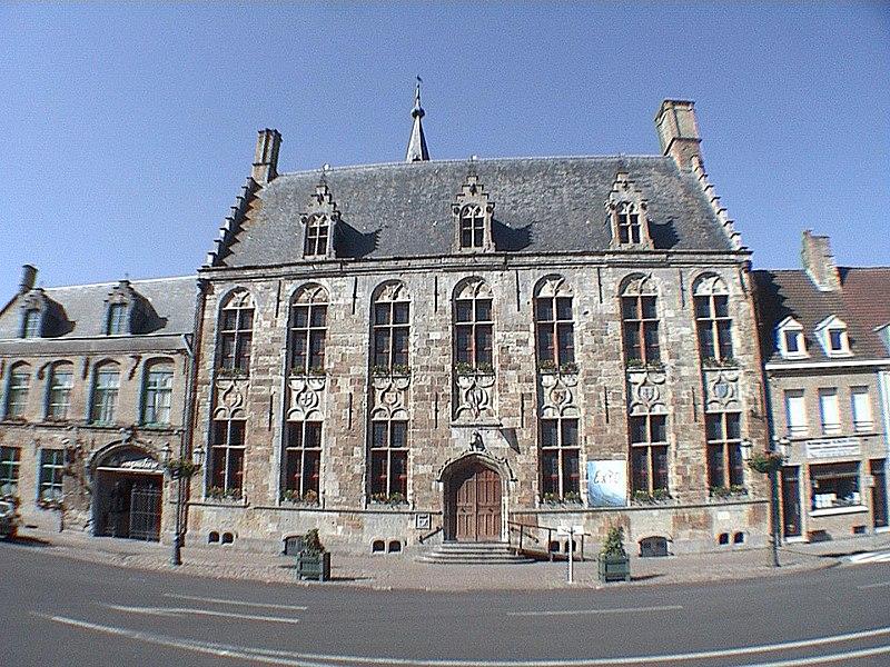 Photo du Monument Historique Hôtel de ville situé à Hondschoote