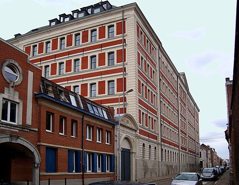 Photo du Monument Historique Magasins généraux situé à Lille