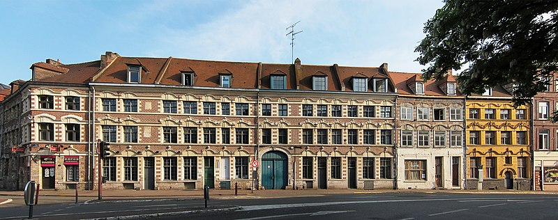 Photo du Monument Historique Maisons faisant partie du Rang des Arbalétriers situé à Lille