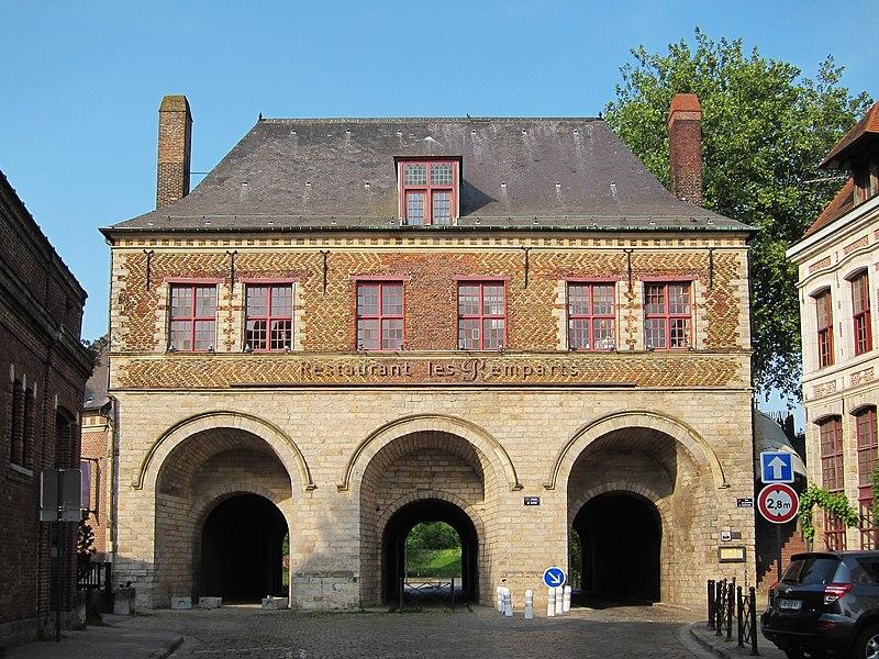 Photo du Monument Historique Porte de Gand et ensemble des fortifications situé à Lille