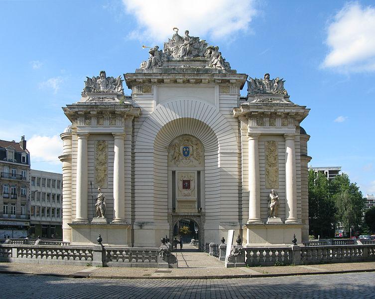 Photo du Monument Historique Porte de Paris situé à Lille