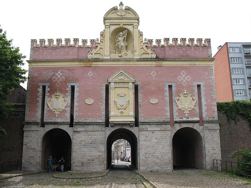 Photo du Monument Historique Porte de Roubaix situé à Lille