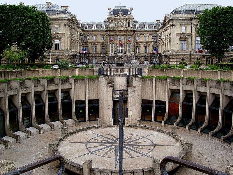 Photo du Monument Historique Préfecture situé à Lille