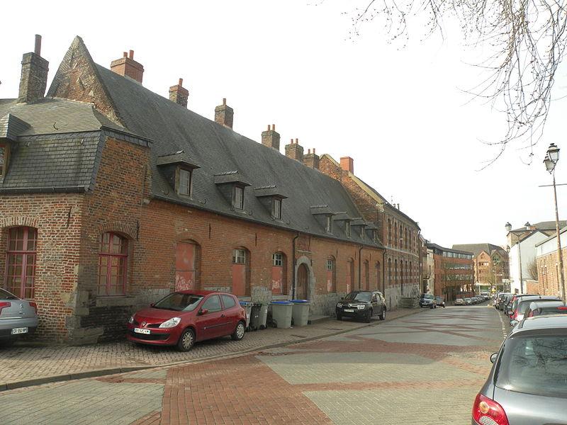 Photo du Monument Historique Béguinage des Cantuaines situé à Maubeuge