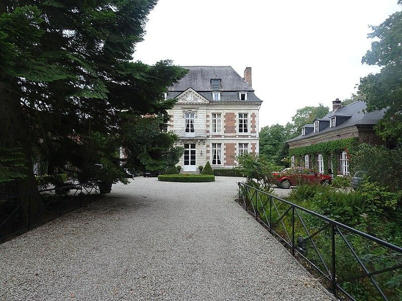 Photo du Monument Historique Château de l'Ermitage situé à Neuville (La)