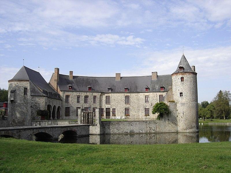 Photo du Monument Historique Château et sa chapelle situé à Potelle