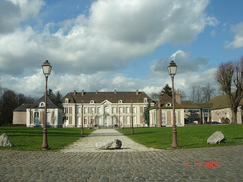 Photo du Monument Historique Château de Bernicourt et sa ferme situé à Roost-Warendin
