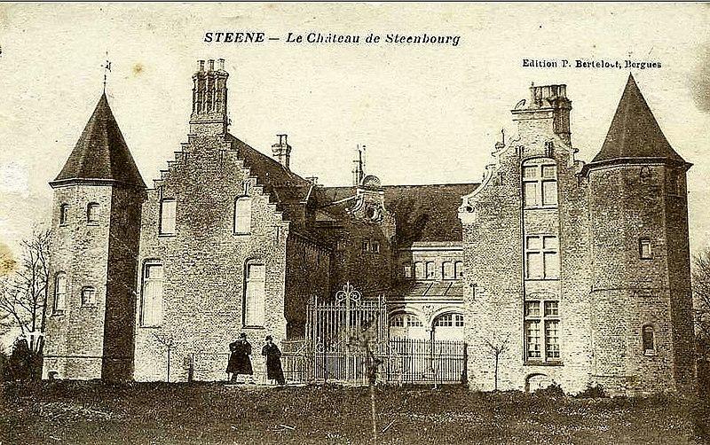 Photo du Monument Historique Château de Steenbourg situé à Steene