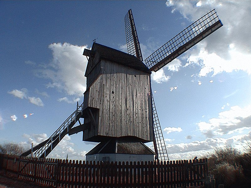 Photo du Monument Historique Moulin à Vent dit Moulin du Nord situé à Steenvoorde