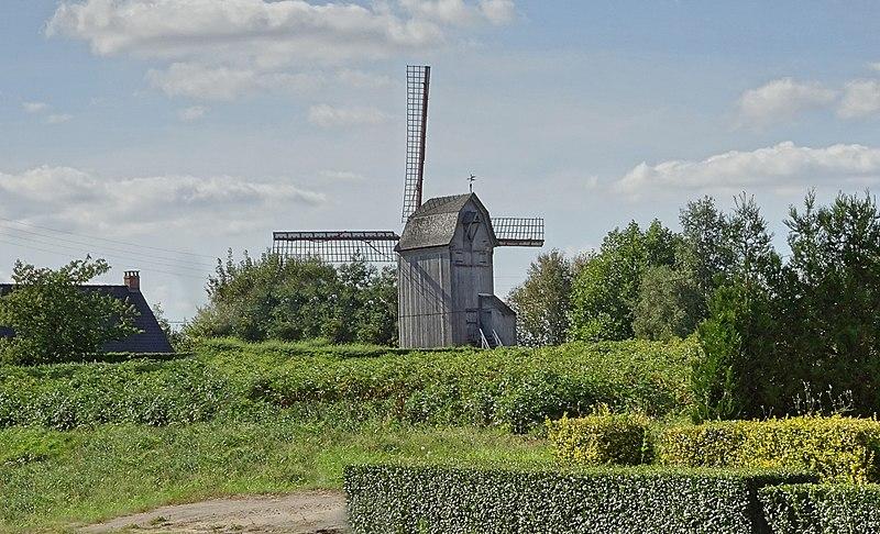 Photo du Monument Historique Moulin à vent dit Moulin du Sud situé à Steenvoorde