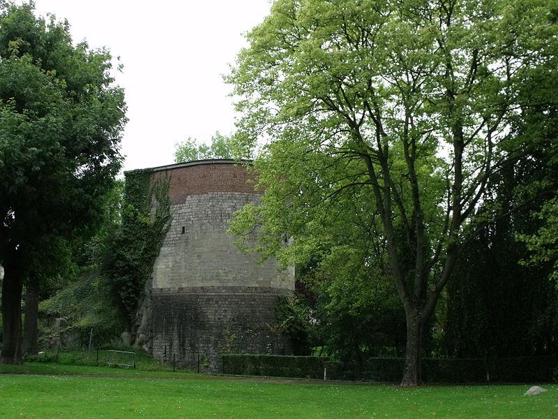 Photo du Monument Historique Tour de Dodenne situé à Valenciennes