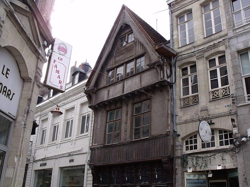 Photo du Monument Historique Maison en pans de bois situé à Valenciennes