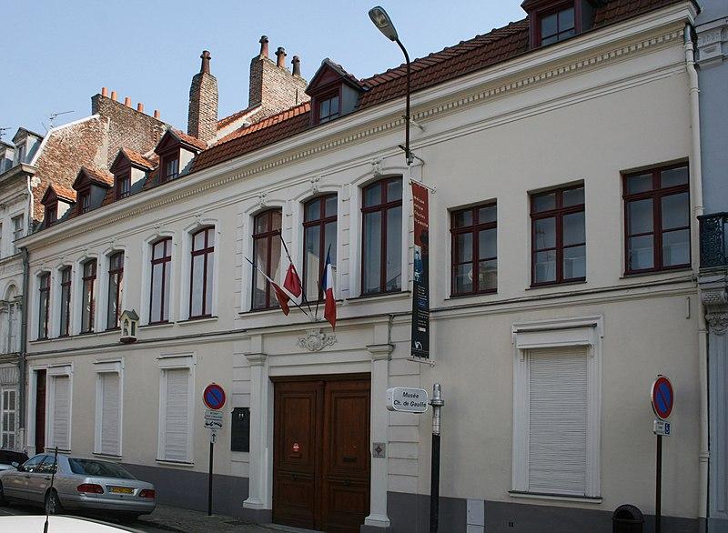 Photo du Monument Historique Maison natale du Général de Gaulle, actuellement musée situé à Lille