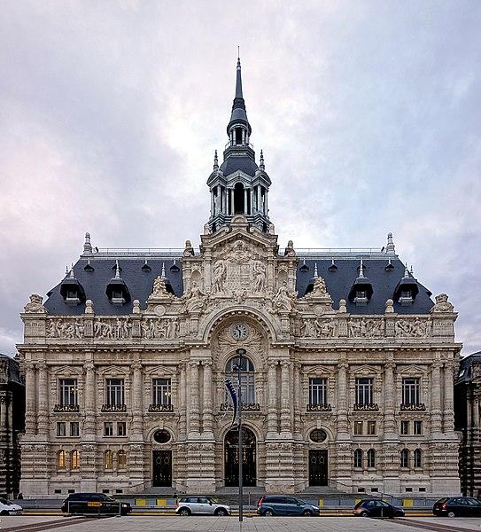 Photo du Monument Historique Hôtel de ville situé à Roubaix