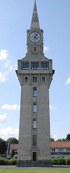 Photo du Monument Historique Poste d'aiguillage : tour florentine situé à Leval