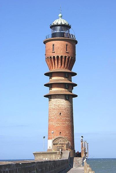 Photo du Monument Historique Feu Saint-Pol, situé jetée de Saint-Pol situé à Dunkerque