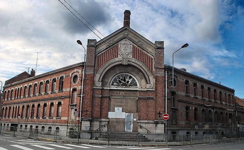 Photo du Monument Historique Ancienne école de natation - Bains et lavoir publics situé à Armentières