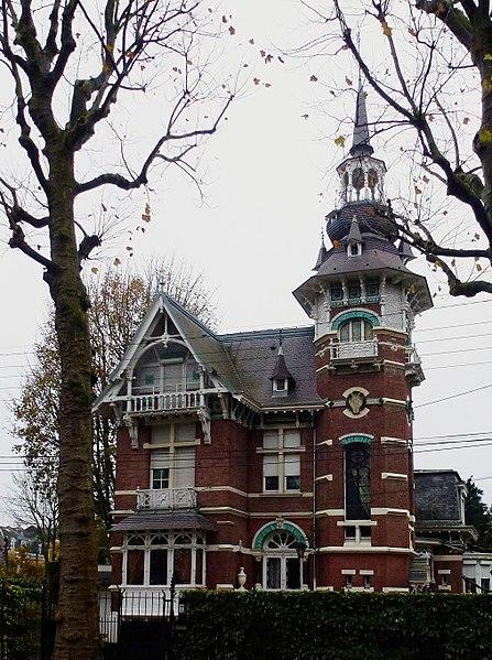 Photo du Monument Historique Maison d'habitation Villa Saint-Charles situé à Lambersart