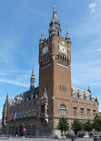 Photo du Monument Historique Hôtel de ville situé à Armentières