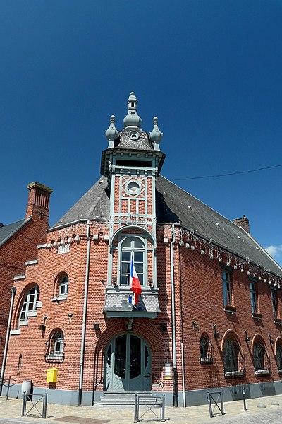 Photo du Monument Historique Hôtel de ville de Templeuve situé à Templeuve