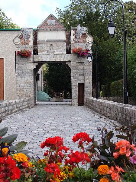 Photo du Monument Historique Ancien château des comtes de Lallaing situé à Lallaing