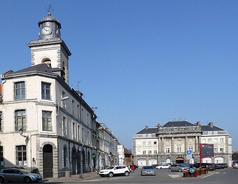 Photo du Monument Historique Corps de garde - beffroi et maisons attenantes situé à Condé-sur-l'Escaut