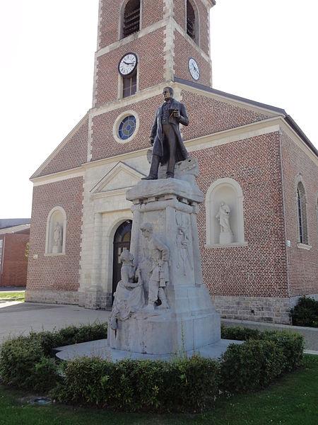 Photo du Monument Historique Monument à Charles Mathieu situé à Lourches