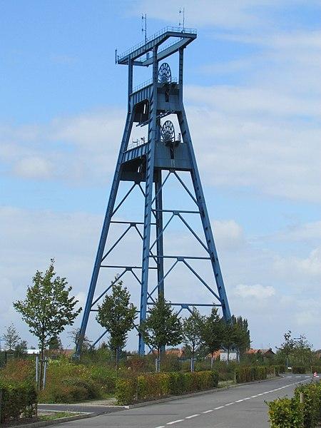 Photo du Monument Historique Fosse n° 9 dite de l'Escarpelle situé à Roost-Warendin