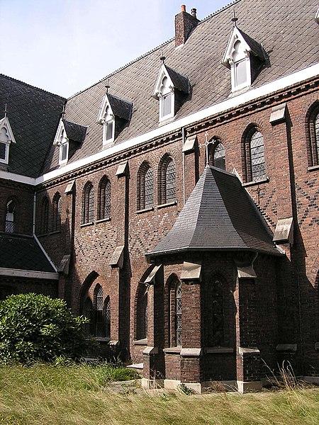 Photo du Monument Historique Couvent des Clarisses et Ecole Sainte-Claire situé à Roubaix
