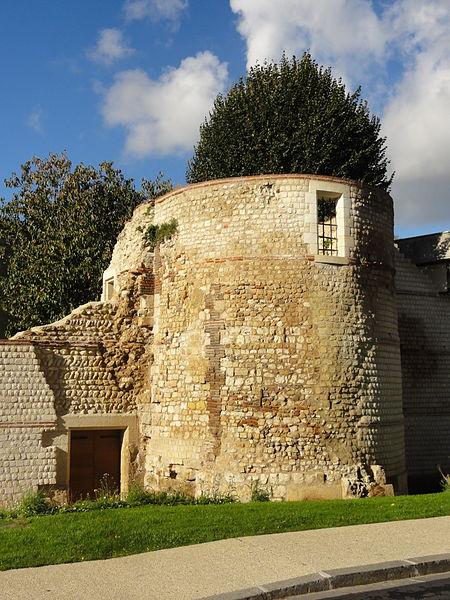 Photo du Monument Historique Remparts gallo-romains situé à Beauvais