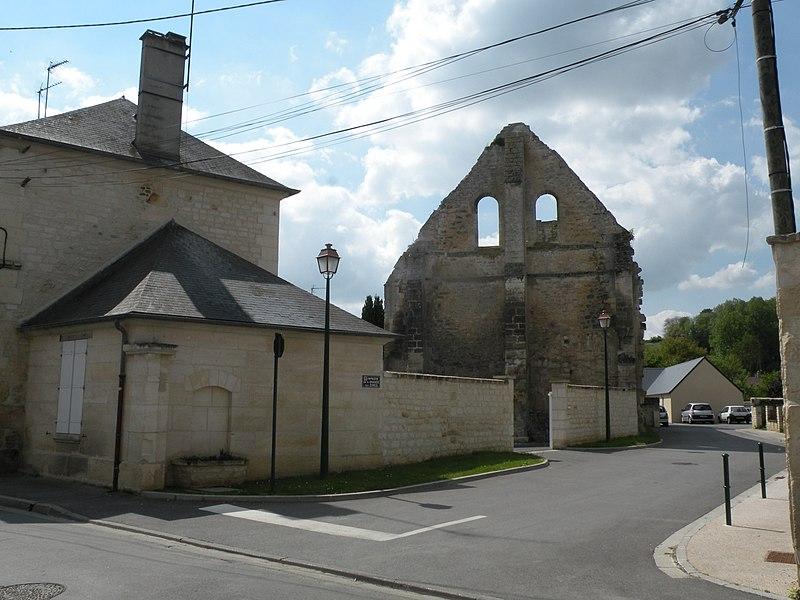 Photo du Monument Historique Ruines de la grange aux dîmes situé à Cires-lès-Mello