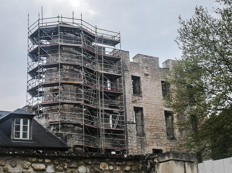 Photo du Monument Historique Ancien donjon situé à Clermont