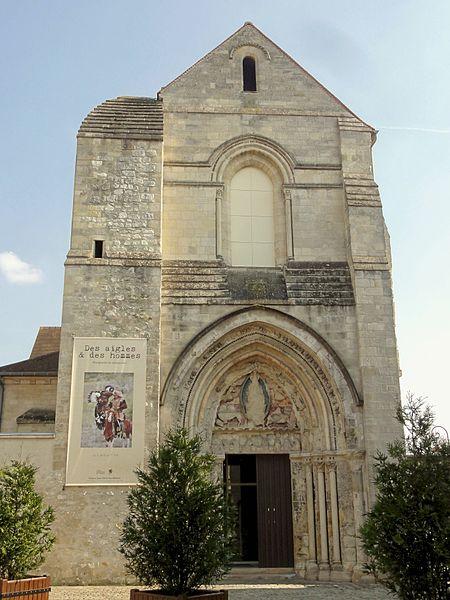 Photo du Monument Historique Eglise Saint-Pierre, ancienne église du couvent des Minimes situé à Compiègne
