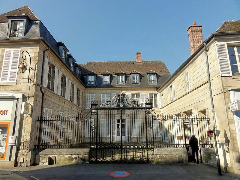 Photo du Monument Historique Hôtel de la Petite Rose situé à Compiègne