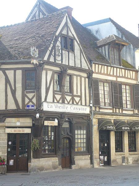Photo du Monument Historique Maison La vieille Cassine situé à Compiègne
