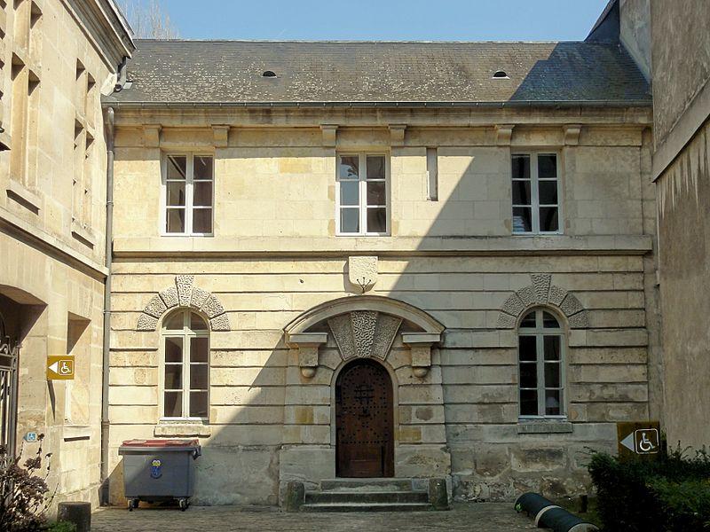 Photo du Monument Historique Ancienne prison contiguë à l'Hôtel de ville, derrière la porte de l'Arsenal situé à Compiègne