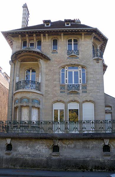 Photo du Monument Historique Villa Marcot, aujourd'hui annexe du collège Jacques-Monod situé à Compiègne