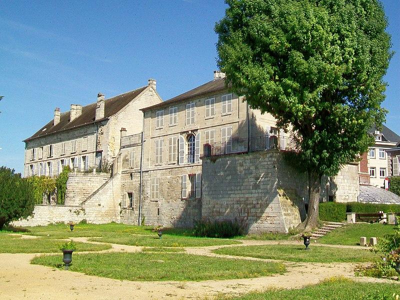 Photo du Monument Historique Ancien château situé à Creil