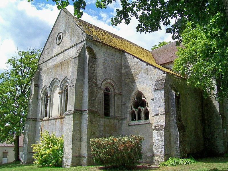 Photo du Monument Historique Ancien prieuré Saint-Christophe situé à Fleurines