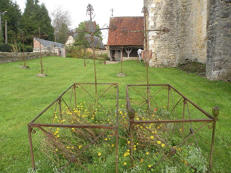 Photo du Monument Historique Cimetière situé à Fontenay-Torcy